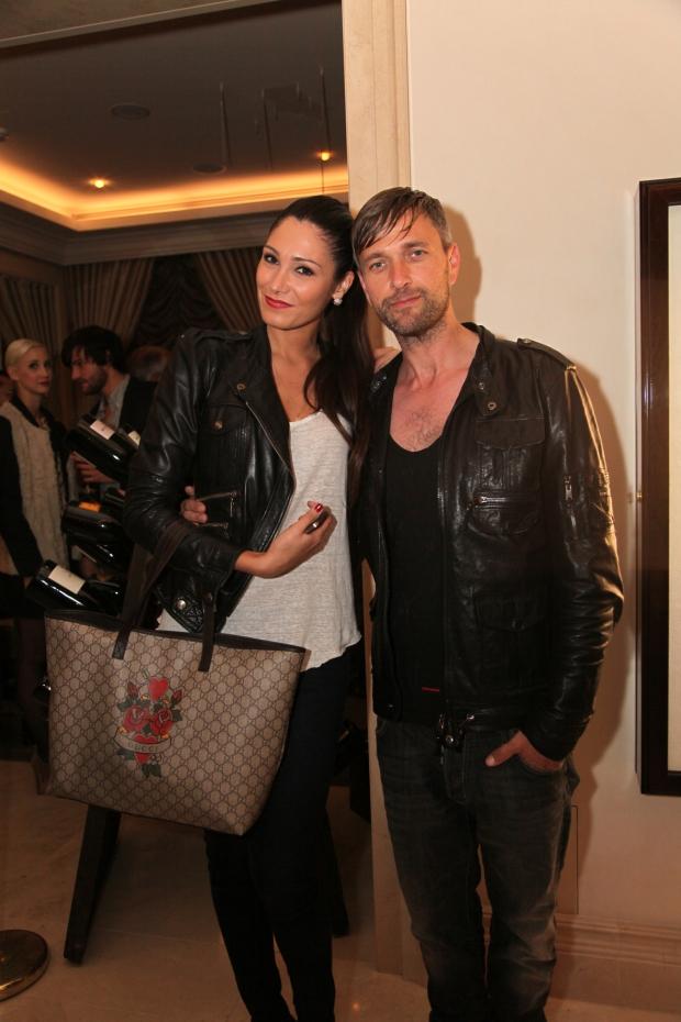 Herr Retrograd mit Model in Royal Sunday Leatherjacket Lederjacke Dsquared Shirt Jeans Leather Crown Sneaker