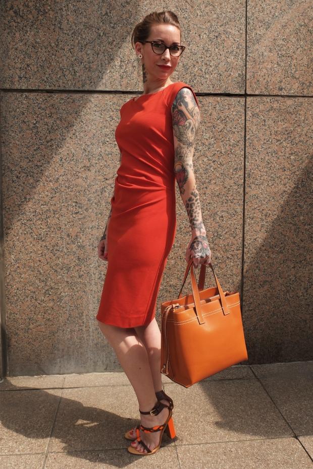 Miss-Gruni-in-Diane-von-Fürstenberg-Kleid-Robe-Dsquared-Schuhe-Shoes-Abro-Bag-Tasche
