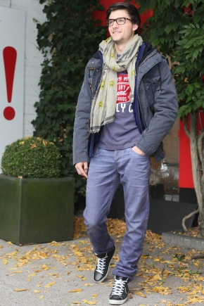 Philip-Kudlek-in-Scotch-Soda-PArka-Cardigan-Strick-Jacke-Superdry-Shirt-True-Religion-Jeans-Faliero-Sarti-Schal-Scarf-Philippe-Model-Sneaker