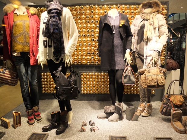 Schaufenster#2-Harders-Fashion-1212-Woolrich-Frogbox-Dsquared-Aglini-Ash-YNot-Current-Elliott-Please-George-Gina-Lucy-Fiorentini-Baker-Drykorn-Sophie-Liebeskind-Ugg-Tanja-Friedrichs-Parajumpers-Faliero-Sarti-Philippe-Model