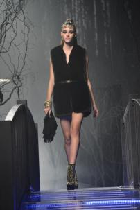 1g-Philipp-Plein-Fashion-Show-Grace-Jones-Fall-Winter-Herbst-Winter-2013-2014-The-fairy-Tale-Forest