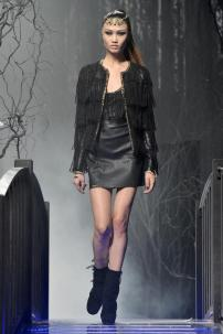 1i-Philipp-Plein-Fashion-Show-Grace-Jones-Fall-Winter-Herbst-Winter-2013-2014-The-fairy-Tale-Forest