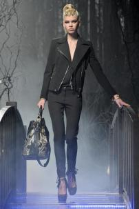 1o-Philipp-Plein-Fashion-Show-Grace-Jones-Fall-Winter-Herbst-Winter-2013-2014-The-fairy-Tale-Forest