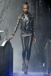 1p-Philipp-Plein-Fashion-Show-Grace-Jones-Fall-Winter-Herbst-Winter-2013-2014-The-fairy-Tale-Forest