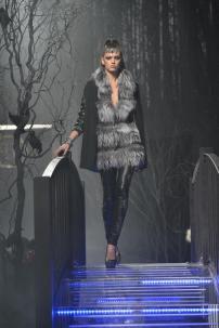 1s-Philipp-Plein-Fashion-Show-Grace-Jones-Fall-Winter-Herbst-Winter-2013-2014-The-fairy-Tale-Forest