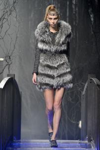 1t-Philipp-Plein-Fashion-Show-Grace-Jones-Fall-Winter-Herbst-Winter-2013-2014-The-fairy-Tale-Forest