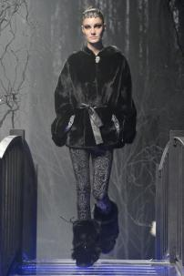 1u-Philipp-Plein-Fashion-Show-Grace-Jones-Fall-Winter-Herbst-Winter-2013-2014-The-fairy-Tale-Forest