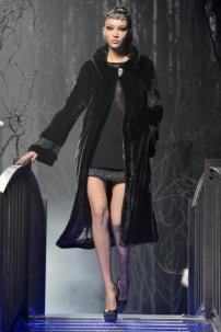 1x-Philipp-Plein-Fashion-Show-Grace-Jones-Fall-Winter-Herbst-Winter-2013-2014-The-fairy-Tale-Forest