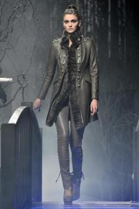 2c-Philipp-Plein-Fashion-Show-Grace-Jones-Fall-Winter-Herbst-Winter-2013-2014-The-fairy-Tale-Forest