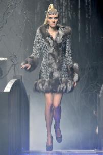 2d-Philipp-Plein-Fashion-Show-Grace-Jones-Fall-Winter-Herbst-Winter-2013-2014-The-fairy-Tale-Forest