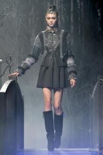 2e-Philipp-Plein-Fashion-Show-Grace-Jones-Fall-Winter-Herbst-Winter-2013-2014-The-fairy-Tale-Forest
