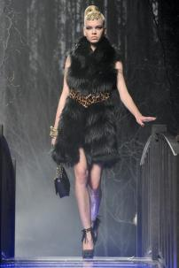 2n-Philipp-Plein-Fashion-Show-Grace-Jones-Fall-Winter-Herbst-Winter-2013-2014-The-fairy-Tale-Forest