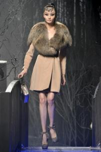 2s-Philipp-Plein-Fashion-Show-Grace-Jones-Fall-Winter-Herbst-Winter-2013-2014-The-fairy-Tale-Forest