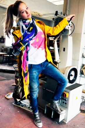 Blog-Friends-Kimberley-Unger-Gamp-Parka-Maison-Scotch-Jeans-Frogbox-Shirt-Mala-Mad-Schal-Liebeskind-Tasche-Harders-Fashion-Online-Shop-Store-Men-Women-Damen-Herren-Frühjahr-Sommer-Spring-Summer-2013-Mode