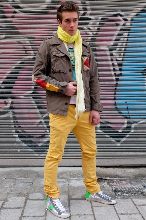 BlogPic-Max-Servatius-Scotch-Soda-Army-Jacke-Fame-on-You-Shirt-Closed-Chino-Schal-Philippe-Model-Sneaker-Harders-Onlineshop-Onlinestore-Fashion-Designer-Mode-Damen-Herren-Men-Women-Spring-Summer-Frühjahr-Sommer-2013
