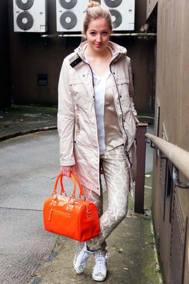 Parajumpers-Kimberley-Unger-Blog-Daune-Nylon-Jacke-Desert-Long-Parka-Kragen-Haken-Verschluss-Reissverschluss-Blau-Harders-Onlineshop-Onlinestore-Fashion-Designer-Mode-Damen-Herren-Men-Women-Spring-Summer-Frühjahr-Sommer-2013