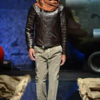 1a-Philipp-Plein-Fall-Winter-Fashion-Runway-Show-2013-2014-Regret-Nothing-mess-with-the-best-die-like-the-rest