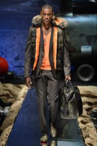 1c-Philipp-Plein-Fall-Winter-Fashion-Runway-Show-2013-2014-Regret-Nothing-mess-with-the-best-die-like-the-rest