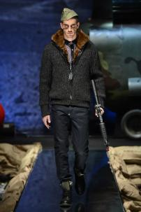 1f-Philipp-Plein-Fall-Winter-Fashion-Runway-Show-2013-2014-Regret-Nothing-mess-with-the-best-die-like-the-rest