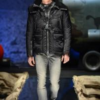 1j-Philipp-Plein-Fall-Winter-Fashion-Runway-Show-2013-2014-Regret-Nothing-mess-with-the-best-die-like-the-rest