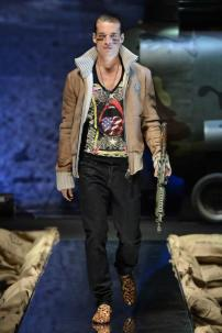 1n-Philipp-Plein-Fall-Winter-Fashion-Runway-Show-2013-2014-Regret-Nothing-mess-with-the-best-die-like-the-rest