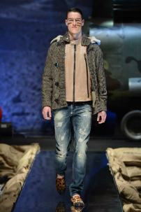 1o-Philipp-Plein-Fall-Winter-Fashion-Runway-Show-2013-2014-Regret-Nothing-mess-with-the-best-die-like-the-rest