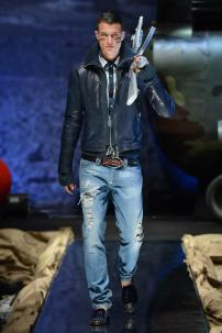 1r-Philipp-Plein-Fall-Winter-Fashion-Runway-Show-2013-2014-Regret-Nothing-mess-with-the-best-die-like-the-rest