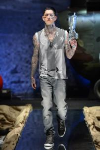 1t-Philipp-Plein-Fall-Winter-Fashion-Runway-Show-2013-2014-Regret-Nothing-mess-with-the-best-die-like-the-rest