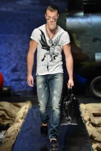 1u-Philipp-Plein-Fall-Winter-Fashion-Runway-Show-2013-2014-Regret-Nothing-mess-with-the-best-die-like-the-rest