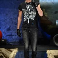 1v-Philipp-Plein-Fall-Winter-Fashion-Runway-Show-2013-2014-Regret-Nothing-mess-with-the-best-die-like-the-rest