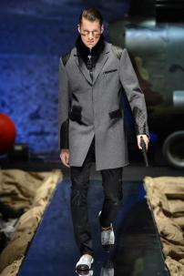 1x-Philipp-Plein-Fall-Winter-Fashion-Runway-Show-2013-2014-Regret-Nothing-mess-with-the-best-die-like-the-rest