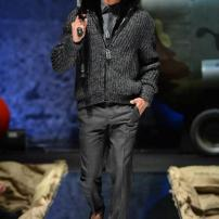 2a-Philipp-Plein-Fall-Winter-Fashion-Runway-Show-2013-2014-Regret-Nothing-mess-with-the-best-die-like-the-rest