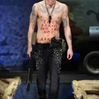 2b-Philipp-Plein-Fall-Winter-Fashion-Runway-Show-2013-2014-Regret-Nothing-mess-with-the-best-die-like-the-rest