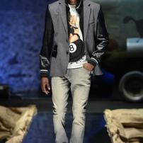 2c-Philipp-Plein-Fall-Winter-Fashion-Runway-Show-2013-2014-Regret-Nothing-mess-with-the-best-die-like-the-rest