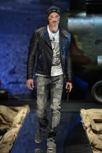 2e-Philipp-Plein-Fall-Winter-Fashion-Runway-Show-2013-2014-Regret-Nothing-mess-with-the-best-die-like-the-rest