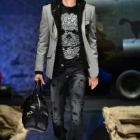 2g-Philipp-Plein-Fall-Winter-Fashion-Runway-Show-2013-2014-Regret-Nothing-mess-with-the-best-die-like-the-rest