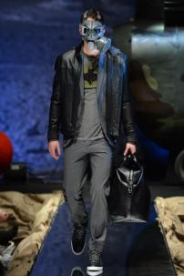 2i-Philipp-Plein-Fall-Winter-Fashion-Runway-Show-2013-2014-Regret-Nothing-mess-with-the-best-die-like-the-rest