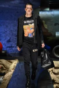 2j-Philipp-Plein-Fall-Winter-Fashion-Runway-Show-2013-2014-Regret-Nothing-mess-with-the-best-die-like-the-rest