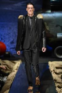 2n-Philipp-Plein-Fall-Winter-Fashion-Runway-Show-2013-2014-Regret-Nothing-mess-with-the-best-die-like-the-rest