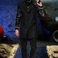 2q-Philipp-Plein-Fall-Winter-Fashion-Runway-Show-2013-2014-Regret-Nothing-mess-with-the-best-die-like-the-rest