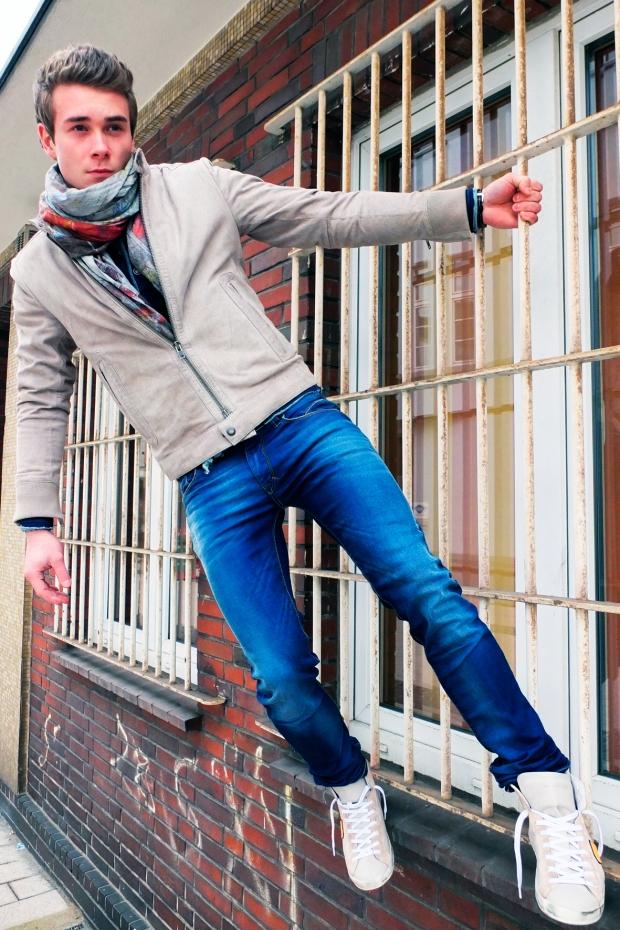 Blog-Max-Servatius-Drykorn-Lederjacke-Blue-de-Genes-Drakewood-Shirt-Bray-Steve-Allan-Jeans-Closed-SChal-Philippe-Model-Sneaker