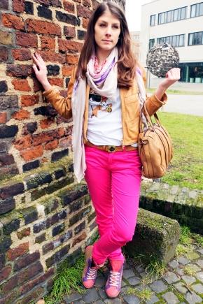 BlogPic-Mandy-Dsquared-Leder-Jacke-Shirt-Dog-Sunglasses-Pink-Jeans-Belt-Gürtel-Freds-Bruder-Tasche-Caennchen-Liebeskind-Sneaker-Harders-Onlineshop-Onlinestore-Fashion-Designer-Mode-Damen-Herren-Men-Women-Spring-Summer-Frühjahr-Sommer-2013
