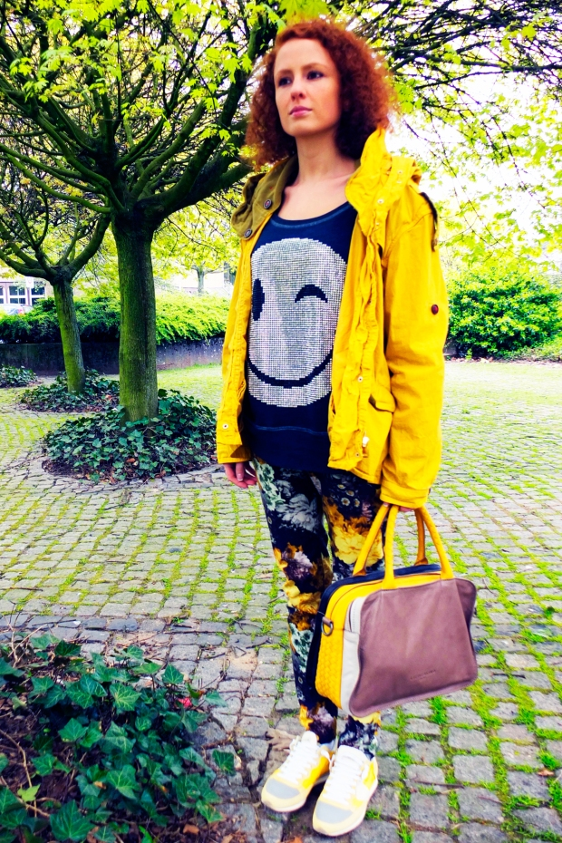 B2-Gamp-Parka-Peacock-Blue-Sweat-Shirt-Drykorn-On2-Flower-Jeans-Philippe-Modell-Sneaker-Tropez-Liebeskind-Tasche-Pat-Stone-Dana-Borgetto-Harders-Onlineshop-Onlinestore-Fashion-Designer-Mode-Damen-Herren-Men-Women-Spring-Summer-Frühjahr-Sommer-2013