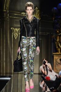 B2-Philipp-Plein-Shirt-Fight-for-real-love-Kate-Moss-Comic-Swarovski-Supermodel-Uncensored-Harders-Online-Shop-Store-Fashion-Designer-Mode-Damen-Herren-Men-Women-Pre-Kollektion-Fall-Winter-Herbst-2013-2014
