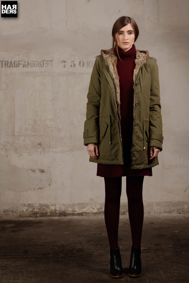 Blog-IQ+-Berlin-Parka-Fell-Pelz-Oliv-Puder-Military-Mantel-Coat-Harders-Online-Shop-Store-Fashion-Designer-Mode-Damen-Herren-Men-Women-Pre-Kollektion-Fall-Winter-Herbst-2013-2014