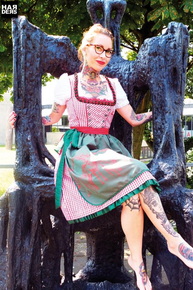 Blog1-Wiesnkoenig-Plangger-Dirndl-Bambi-Reh-Liz-Hirsch-Bluse-Clea-Kracht-Leder-Gürtel-Hose-Mona-Michaela-Sabrina-Grunwald-Harders-Online-Shop-Store-Fashion-Designer-Mode-Damen-Herren-Men-Women-Pre-Kollektion-Fall-Winter-Herbst-2013-2014