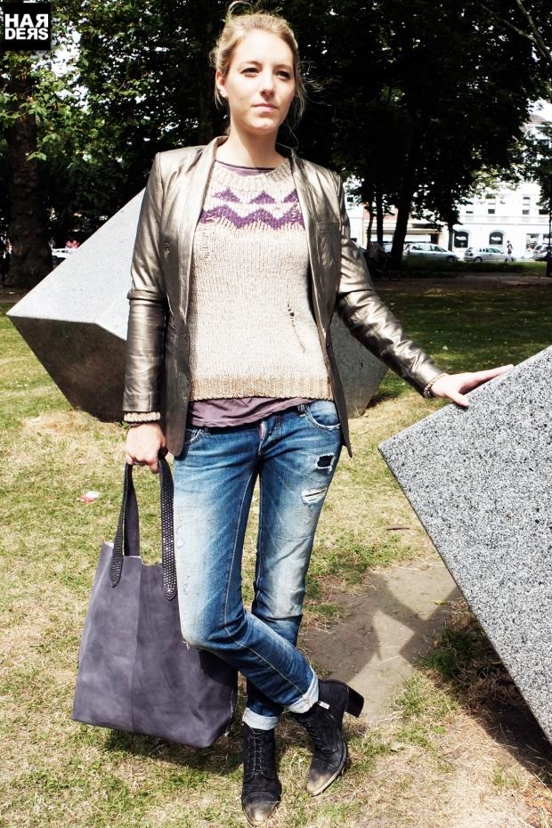 B1-Katharina-Woog-Set-Strick-Pullover-Leder-Blazer-Gold-2-blue-Sisters-Shirt-Dsquared-Jeans-Ghost-Stiefel-BBelt-Tasche-Vintage-Used-Oversize-Harders-Online-Shop-Store-Fashion-Designer-Mode-Damen-Herren-Men-Women-Jades-Soeren-Volls-Pool-Mientus-Fall