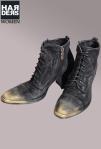 Ghost-Stiefel-Boot-Schnür-Wild-Leder-Antik-Schwarz-Vintage-Grau-Gold-Nieten-Studs-Patch-Cowboy-Rahmen-Naht-Harders-Online-Shop-Store-Fashion-Designer-Mode-Damen-Herren-Men-Women-Jades-Soeren-Volls-Pool-Mientus-Fall-Winter-Herbst-2013-2014