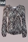 Patrizia-Pepe-Seide-Bluse-Knopf-Leiste-Grafik-Muster-Print-Kragen-Harders-Online-Shop-Store-Fashion-Designer-Mode-Damen-Herren-Men-Women-Jades-Soeren-Volls-Pool-Mientus-Fall-Winter-Herbst-2013-2014