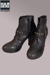 Vic-Vicmatie-Stiefel-Schuhe-Nieten-Studs-Schnalle-Leder-Absatz-Harders-Online-Shop-Store-Fashion-Designer-Mode-Damen-Herren-Men-Women-Jades-Soeren-Volls-Pool-Mientus-Fall-Winter-Herbst-2013-2014